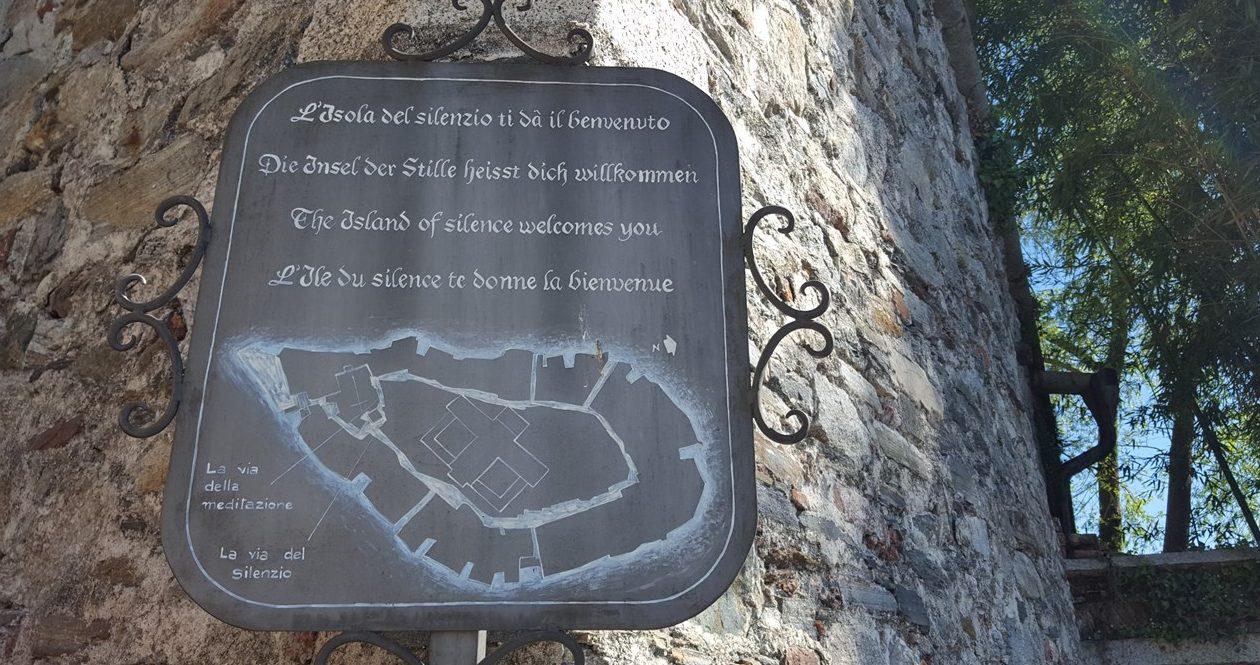 """cartello """"l isola del silenzio"""""""